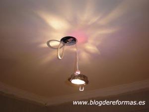 Luz halógena en techo