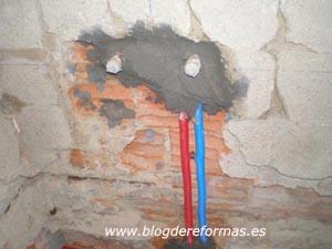 Protección de tubos de fontanería