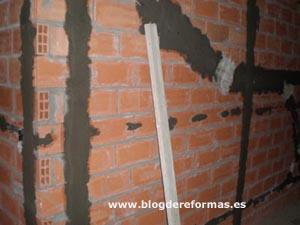 Maestras para rasear la pared
